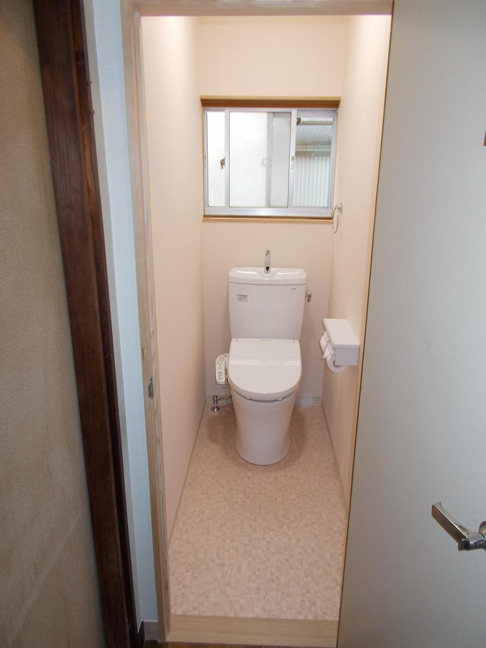 和式トイレからバリアフリーの洋式トイレへ