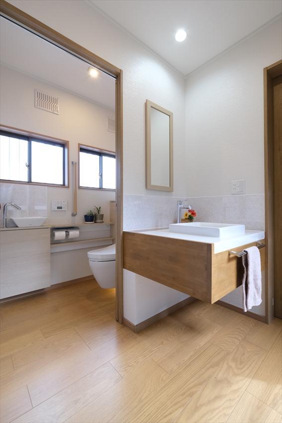 古き町屋に新世代トイレ現る